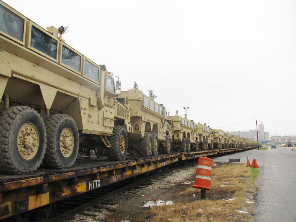 Египет получил 930 американских бронированных машин класса MRAP и просит еще 1000