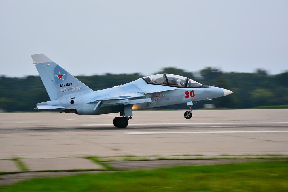 Завершен ремонт первого самолета Як-130