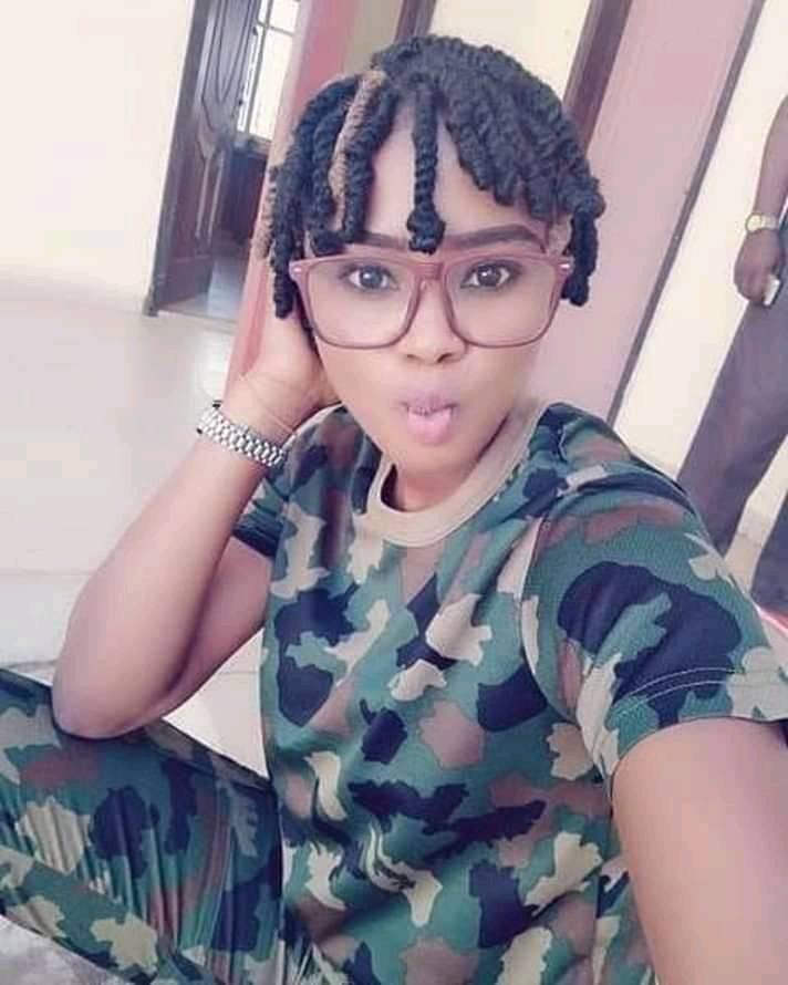 Женский военный парад в Гане