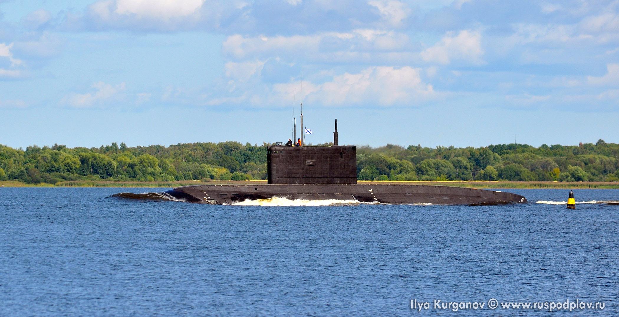 Подводная лодка «Петропавловск-Камчатский» в море