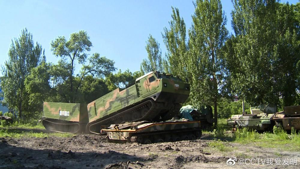 """Китайская компания Fangli """"клонировала"""" российский вездеход ДТ-30П"""
