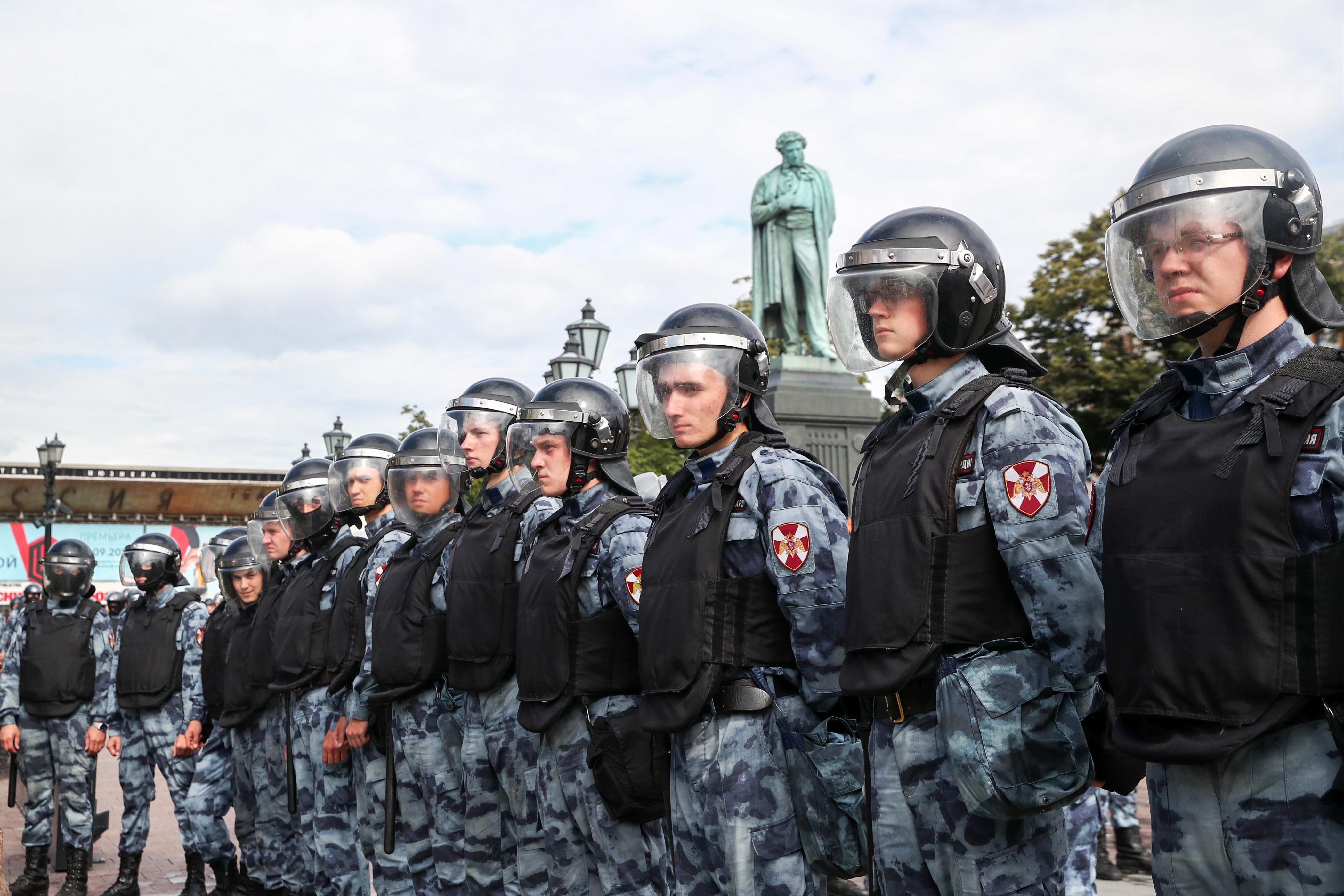 Правительство России увеличивает финансирование органов безопасности и Росгвардии
