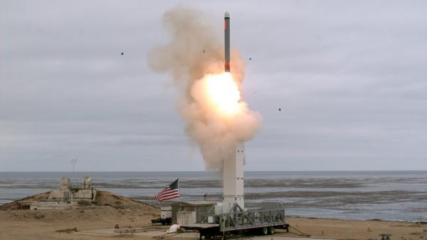 Морская пехота США примет на вооружение крылатые ракеты Tomahawk наземного базирования