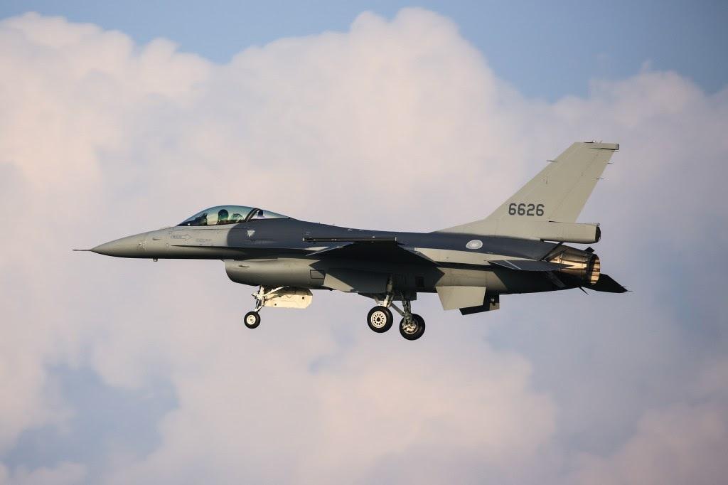 Правительство США официально одобрило поставку Тайваню 66 истребителей F-16V