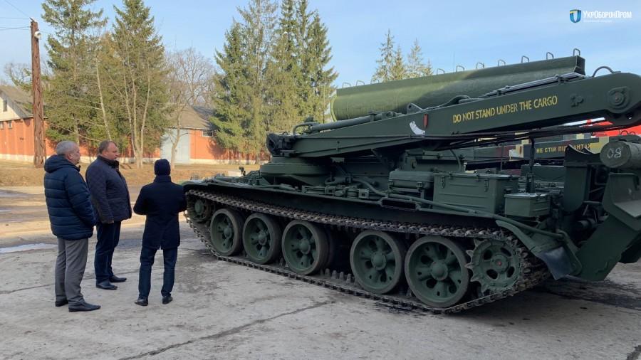 Украина поставила в Мьянму 14 бронированных тягачей БТС-4ЛБТЗ