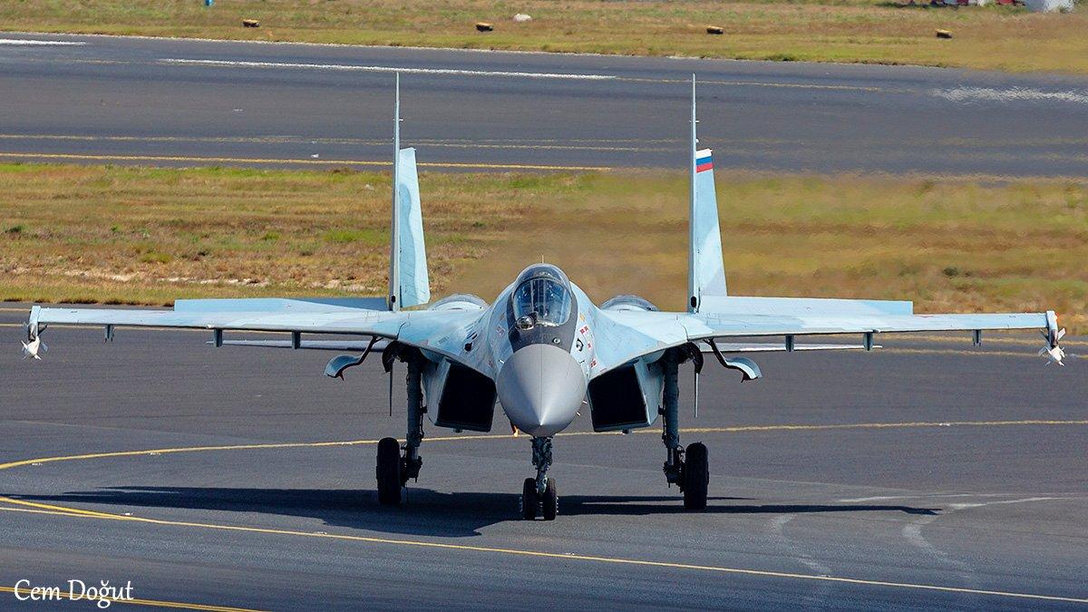 Истребитель Су-35С в Турции