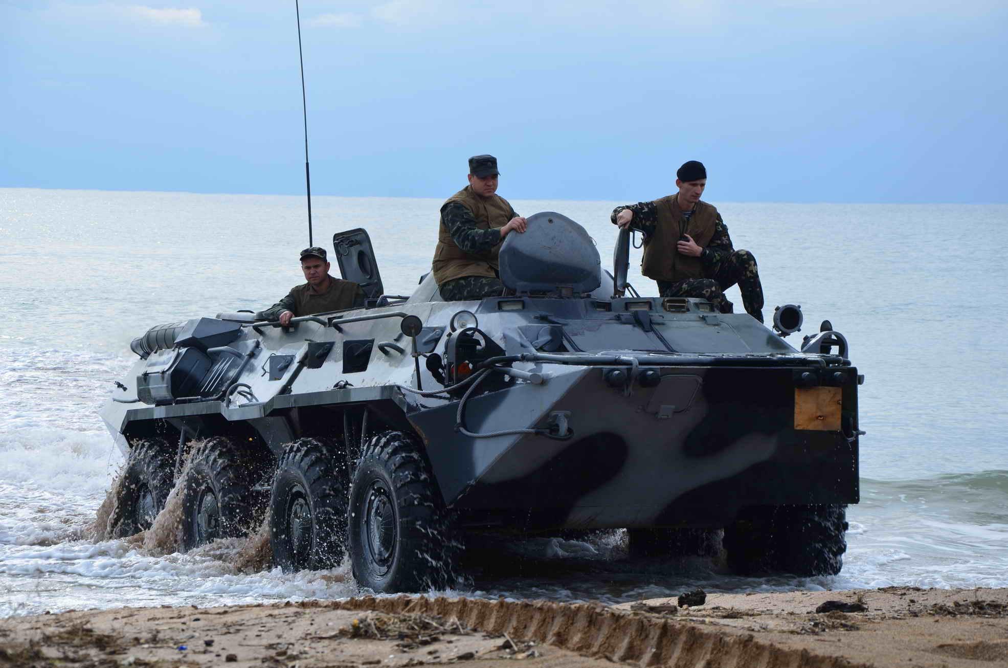 Боевые «колесницы» России и США: БТР-80 против М113А3