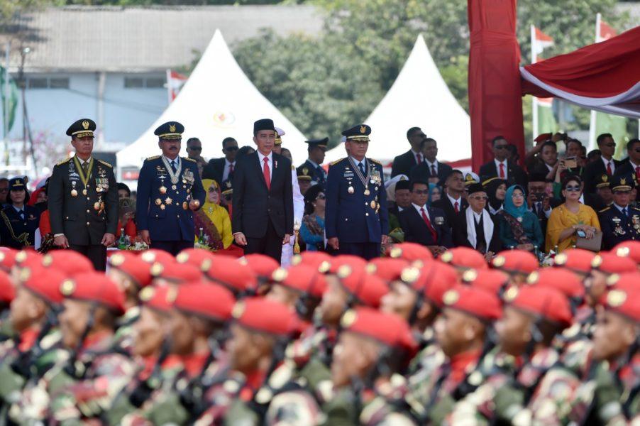 Tiga-Pesan-Presiden-Jokowi-kepada-TNI-902x600
