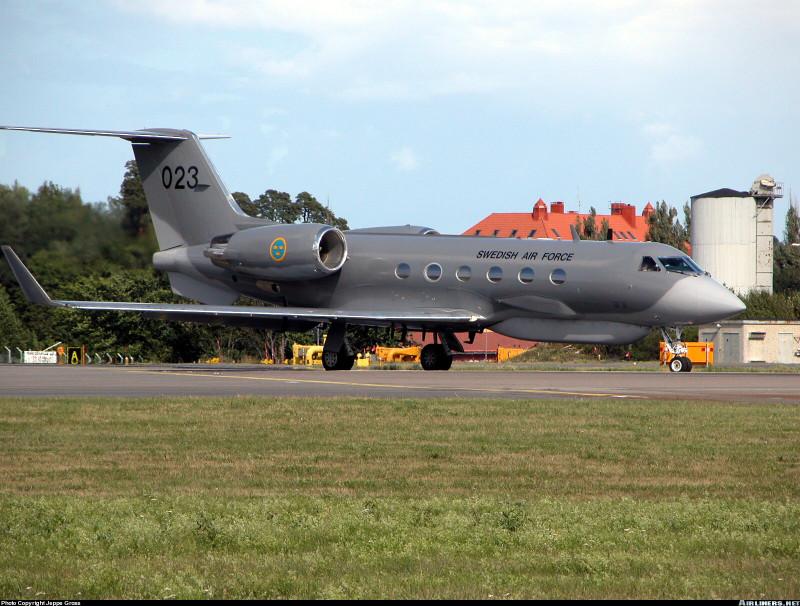 """Американцы воспользовались шведским самолетом для полета по программе """"Открытое небо"""""""