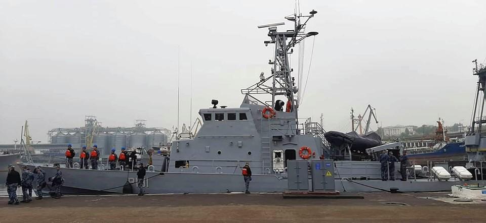 В Одессу доставлены два полученных Украиной сторожевых катера типа Island