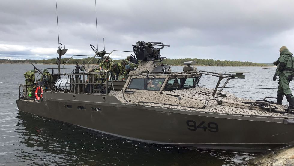 sweden-receives-first-upgraded-cb90-hsm-boats