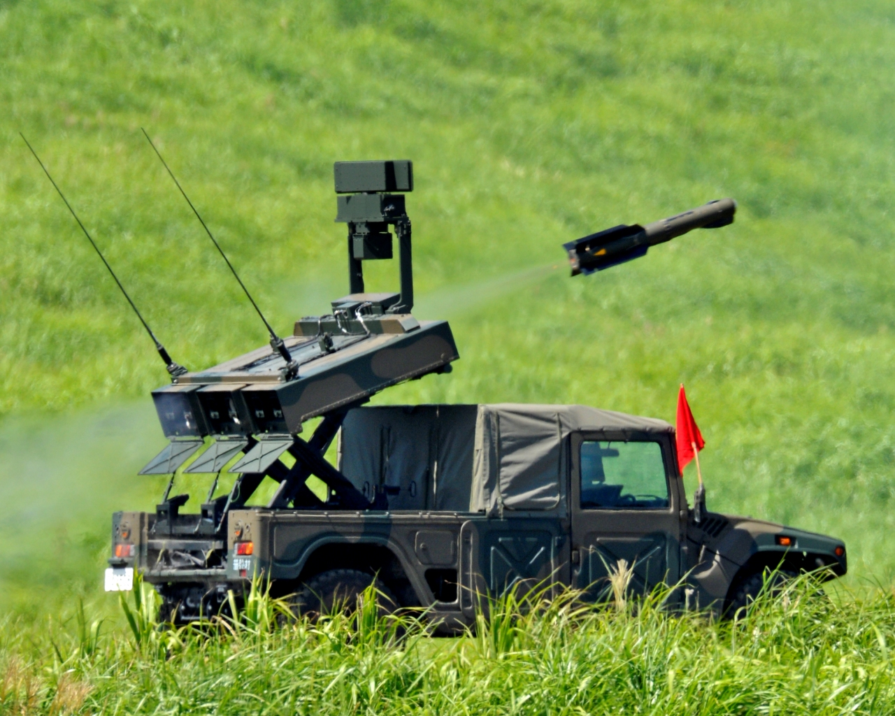 JGSDF_Middle_range_Multi-Purpose_missile_and_launcher