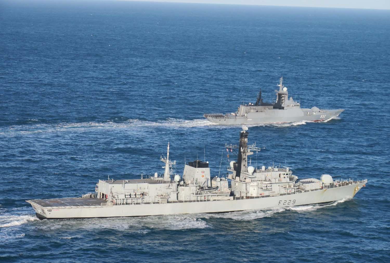 HMS Lancaster foreground shadows Boikiy