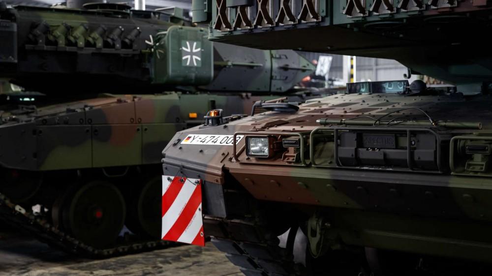 leopard-2-a7v-front