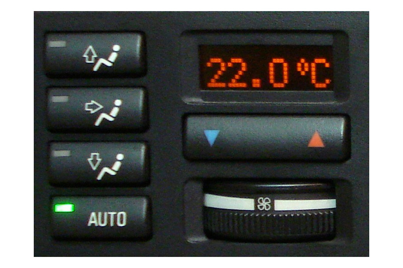 06a-bmw-bordcomputer-klimadisplay-repariert