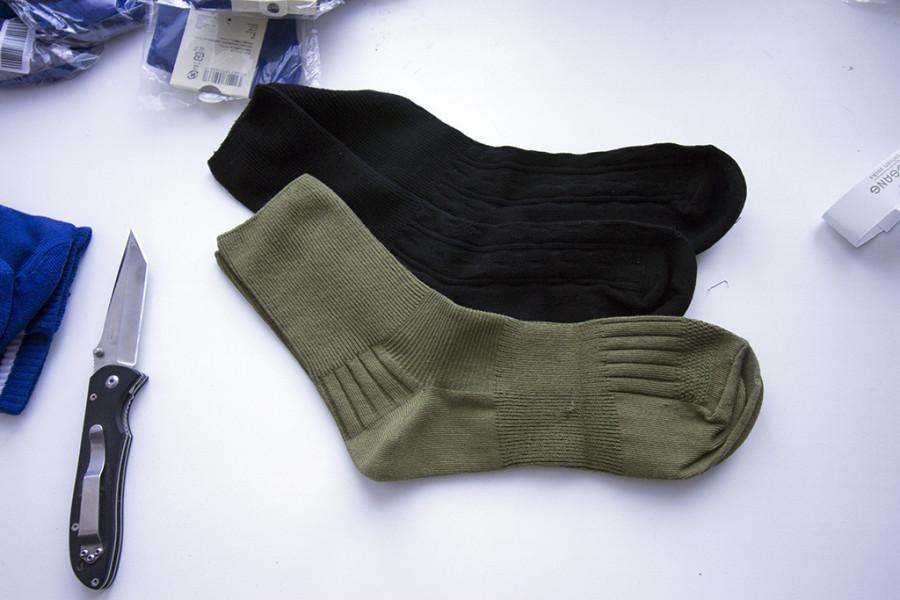 сравнение черных и зеленых носков
