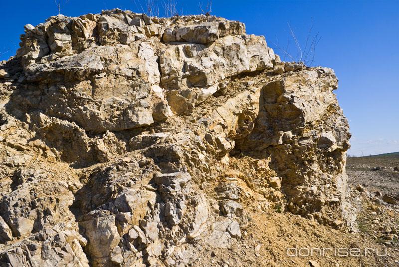 Закратерный выброс каменской астроблемы