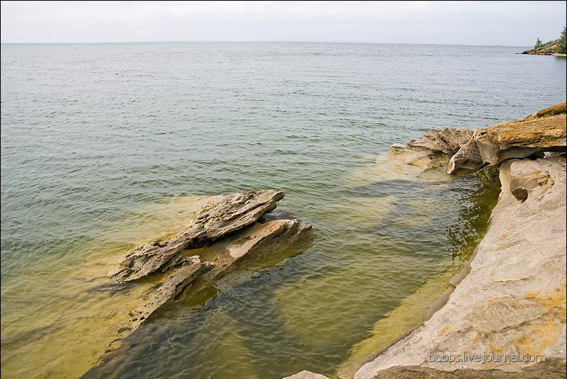 Камни на берегу Цимлянского водохранилища