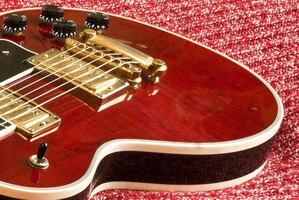 Клиент хочет вернуть деньги за гитару