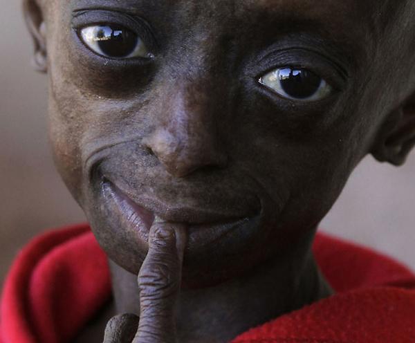 Twitter. 12-ти летняя девочка-старушка (14 фото). google. Записи Electroz