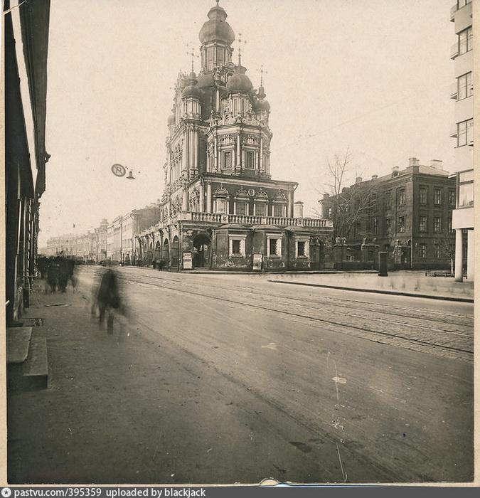 Церковь Успения Божией Матери на Покровке. Фото 1930-1935.