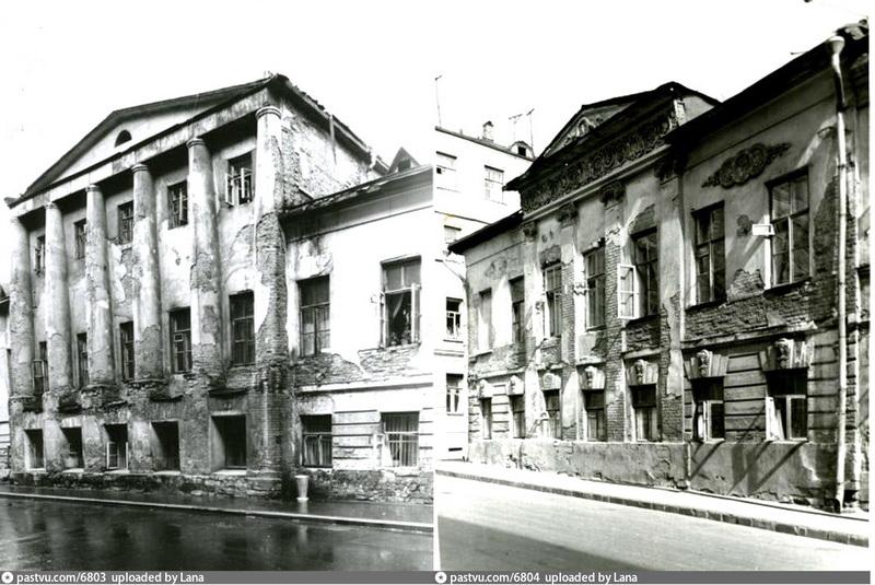 Дом Лаврентьева- Повалишина. Фасады с двух переулков. Фото 1955.
