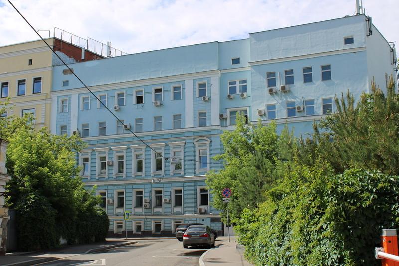 Основа дома (левая часть). Арх. М.А.Арсеньев. После 1874 г. Реконструкция (правая 4-х этажная часть)- арх. В.А.Властов. 1892. Фото 2020.
