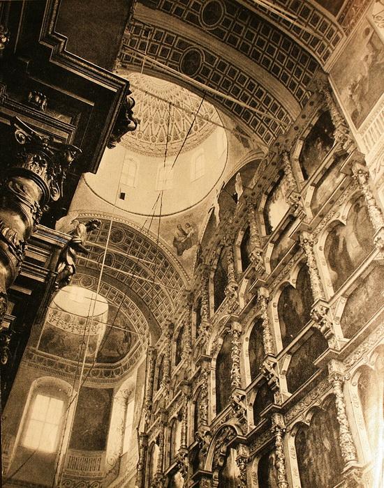 Внутреннее пространство собора.