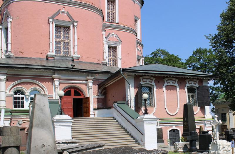 Ризница у южного крыльца собора. Арх. В.Обухов. 1740-е. Фото 2020.