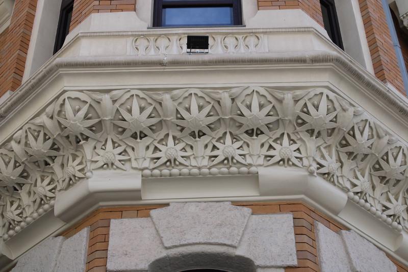 Декор второго этажа башни.