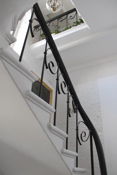Потайная лестница особняка.