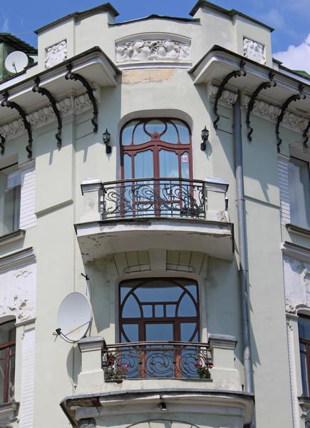 Ажурная ковка заграждений балконов.