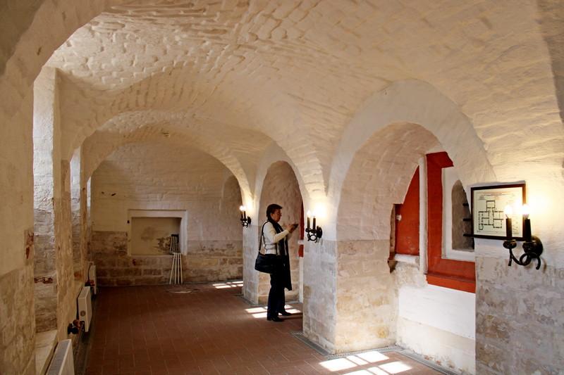 Палаты Аверкия Кириллова. Западная пристройка 1690-х годов. Подклет изнутри. Фото 2021.