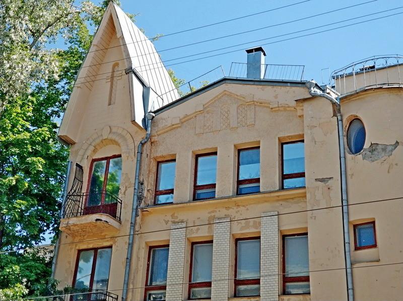 Бывший доходный дом Ломакиной.