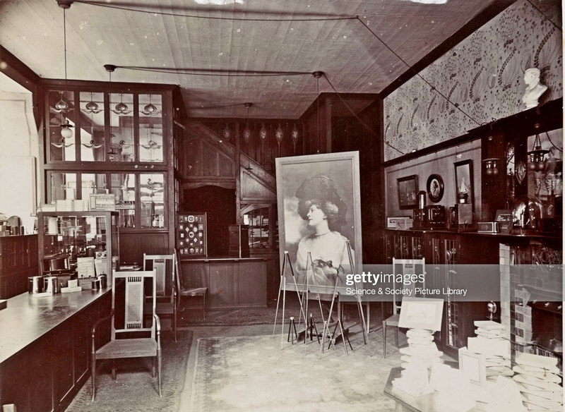 Интерьер магазина Kodak в Глазго.  Оформление Дж. Уолтон. 1905. Фото: Science & Society Picture Library/SSPL/Getty Images.