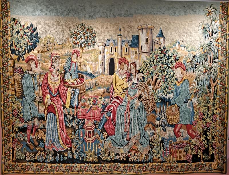 Сбор урожая в поле (Завтрак в виноградниках). Выполнен по мотивам знаменитого настенного ковра 1520 года «Зарисовки сельской жизни». 300х360 см.