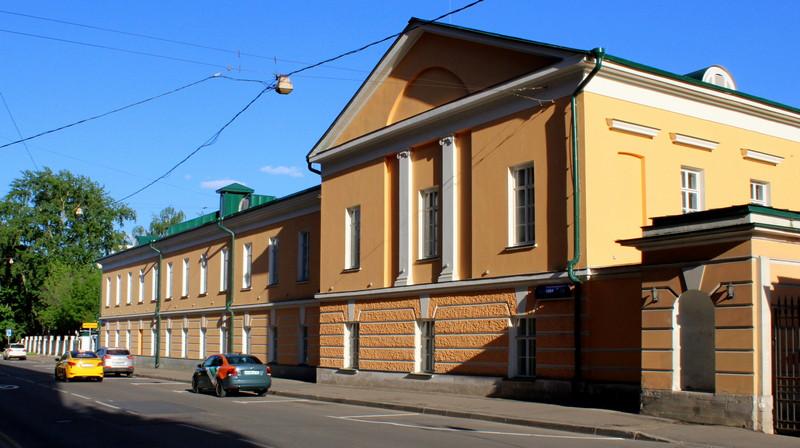 Усадьба Разумовских. Левый двухэтажный флигель.