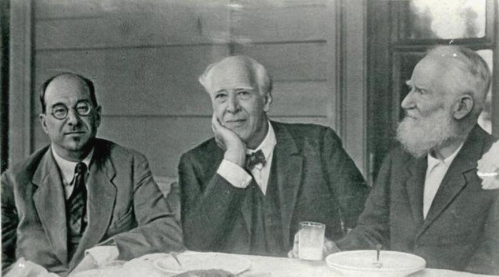 А.В.Луначарский, К.С.Станиславский и Б.Шоу в санатории «Узкое». Фото 1931.