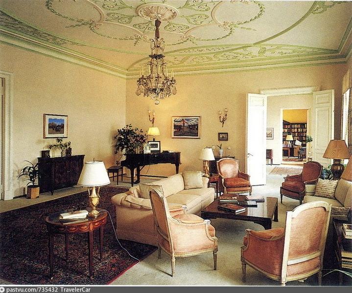 Гостиная в особняке Н.И.Казакова. Фото 1997.