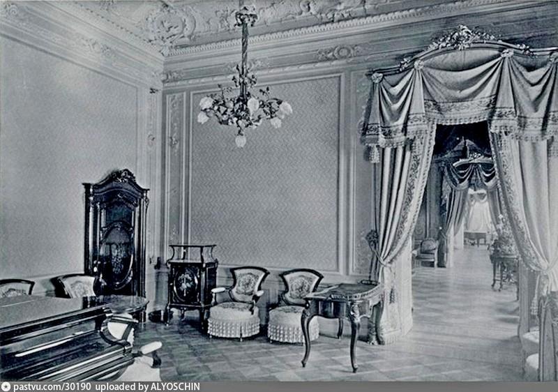 Особняк Коншиной. Дамский кабинет. Фото 1910.