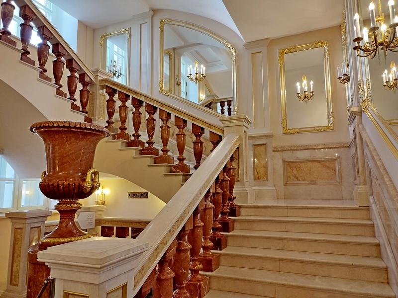 Царицыно. Большой дворец. Парадная лестница.