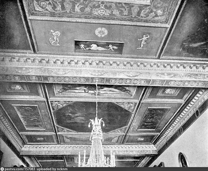 Столовая. Потолок. Фото 1906-1907.