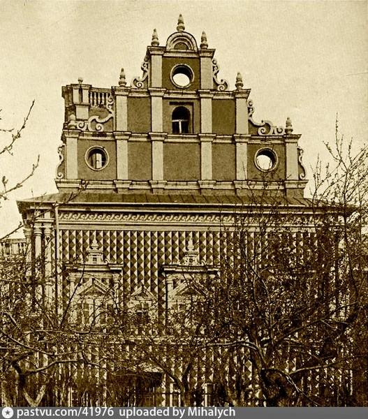 Храм Тихвинской иконы Божией Матери с Трапезной. Барочный западный фасад. Фото 1896.