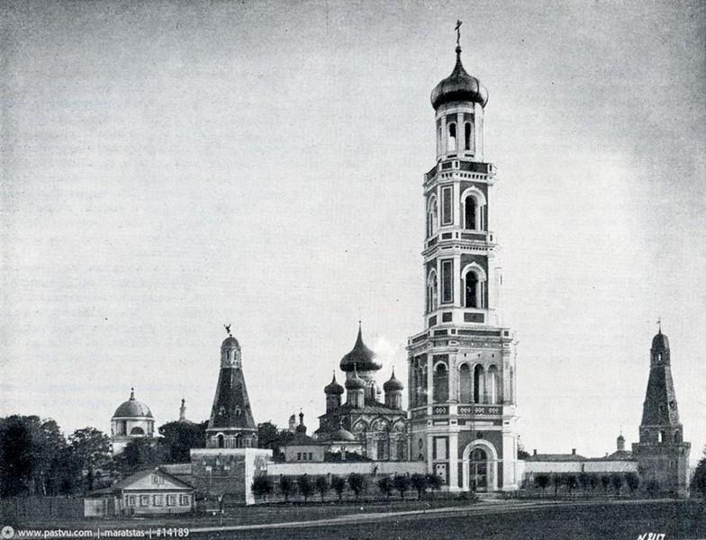 Симонов монастырь. Колокольня. 1839. Арх. К.А.Тон. Фото 1889.