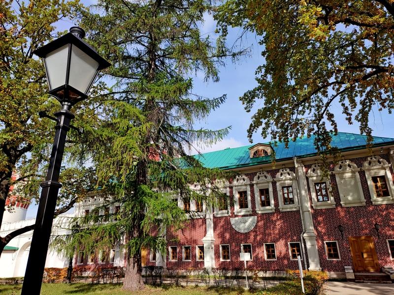 Новодевичий монастырь. Лопухинские палаты.