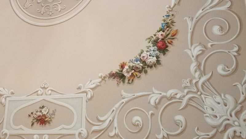 Альфрейная роспись потолка (фрагмент).
