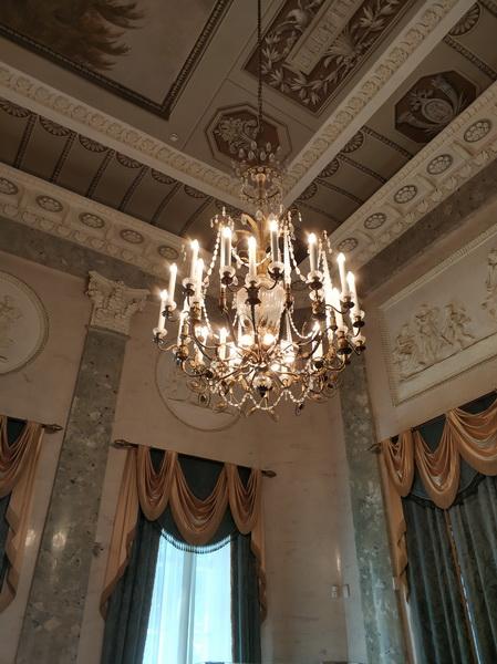 Люстра Мраморного зала.