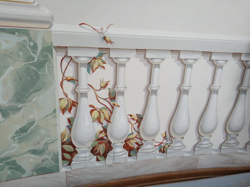 Иллюзия парапета в технике гризайль.