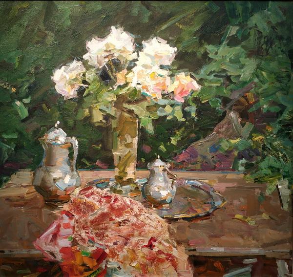 Ф.Захаров. Натюрморт с белыми розами. 1990-е. Оргалит, масло. Частное собрание.