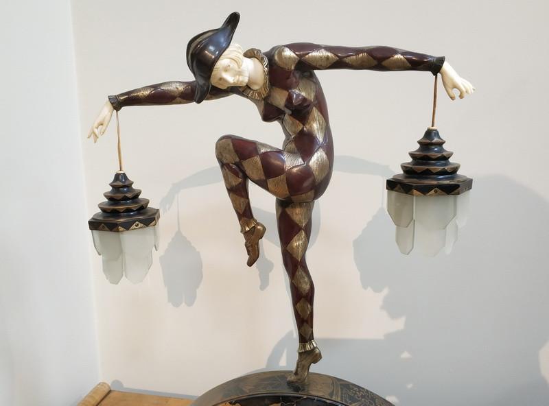 Марсель-Андре Бурен. Лампа «Арлекин». Бронза, слоновая кость, стекло, мрамор.